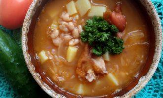 Суп с квашеной капустой и копченостями йота