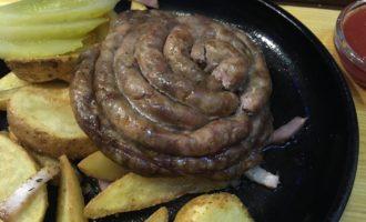 Свиные колбаски в духовке рецепт