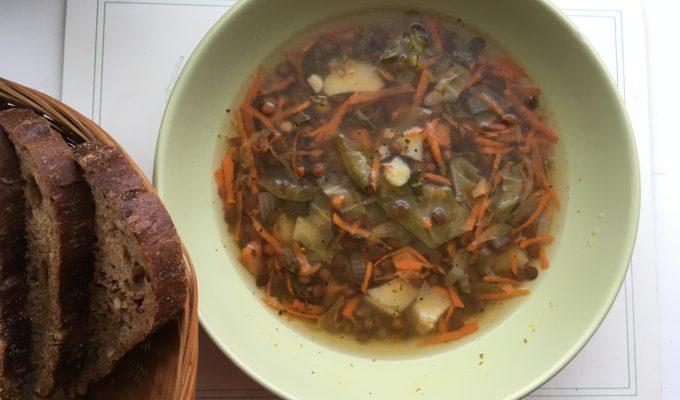 Чечевичный суп с сельдереем