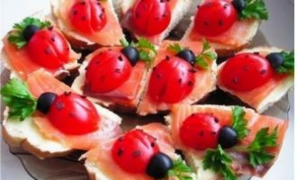 рецепт бутерброда божья коровка с помидорами