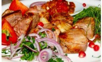 Шашлык узбекский из свинины