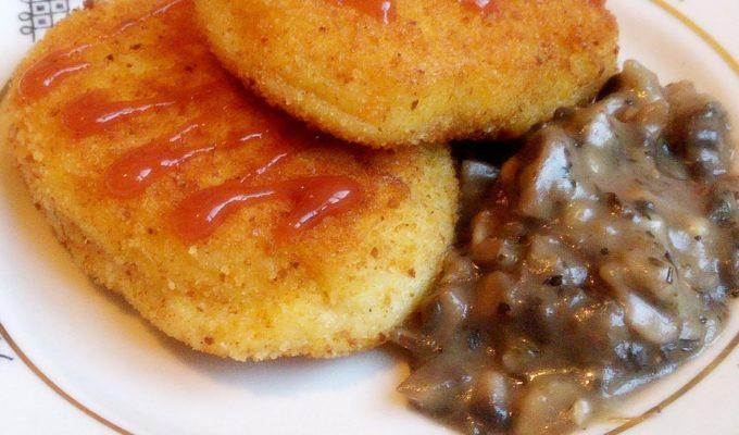 Картофельные котлеты с грибным соусом рецепт