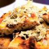 Пицца с грибами и маринованными огурцами