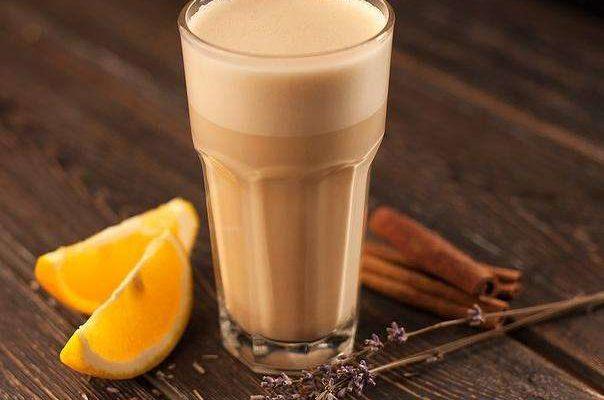Тем, кто любит необычные вкусовые сочетания в напитках, настоятельно рекомендуется обратить внимание на рецепт ароматного мокко