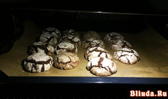 Мраморное шоколадное печенье фото