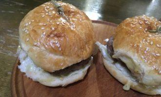 Сэндвичи с говяжьими котлетами рецепт