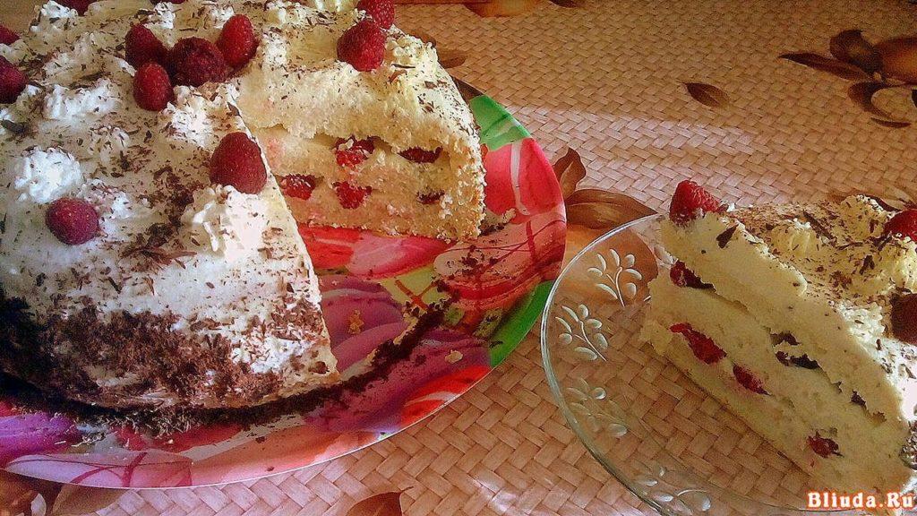 Бисквитный торт с малиной и сметаной фото 16