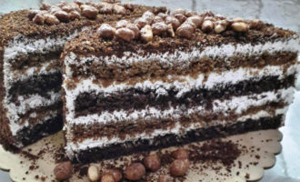 шоколадный медовик с орехами фото