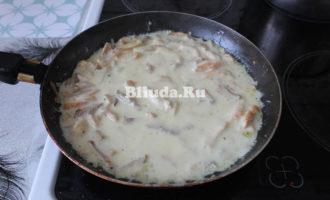 Макароны в сливочном соусе с курицей и грибами фото 12