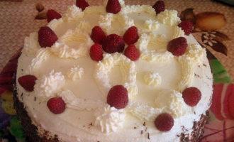 Бисквитный торт с малиной и сметаной фото 13