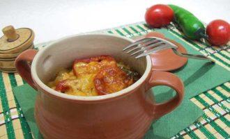 Мясо в горшочках с овощами и картофелем рецепт