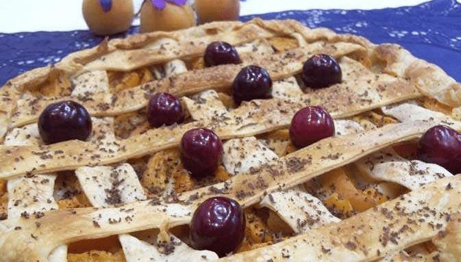 Пирог из замороженного теста с ягодами рецепт