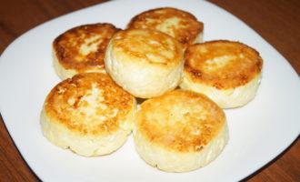 Творожные сырники на сковороде фото 5