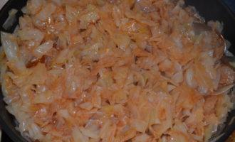 Тушеная капуста с сосисками фото 6