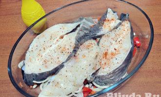 Cтейк синей зубатки с овощами в духовке фото 6