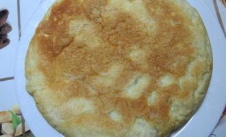 Яблочный пирог в мультиварке фото