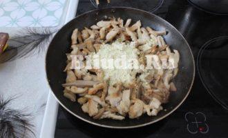 Макароны в сливочном соусе с курицей и грибами фото 10