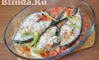 Cтейк синей зубатки с овощами в духовке фото 9
