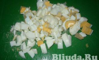 салат оливье с колбасой и яблоками фото 6
