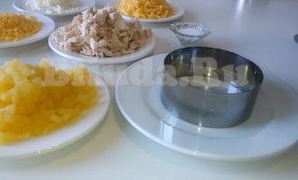 Ананасовый салат с курицей фото 2